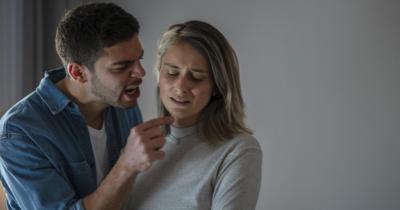 6 Kebiasaan Membuat Suami Istri Terjebak dalam Toxic Relationship