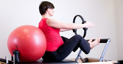Kelebihan Berat Badan saat Hamil, Lakukan 6 Olahraga Ini ya Ma!