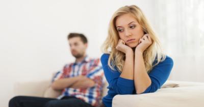 Cara Menghadapi Pasangan Kurang Tegas Selalu Bergantung