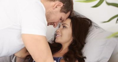 Lancarkan Persalinan, 5 Posisi Berhubungan Intim agar Bayi Cepat Lahir