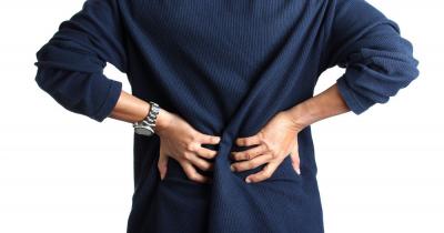 6 Cara Mudah Mengatasi Sakit Pinggang yang Mengganggu Aktivitas