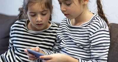 Gadget Bisa Bantu Jaga Kesehatan Mental Anak Selama Pandemi, Benarkah