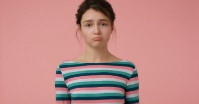 5 Penyebab Rambut Rontok Mungkin Sedang Kamu Alami