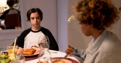 5 Cara Untuk Mengatasi Remaja yang Suka Pilih-Pilih Makanan