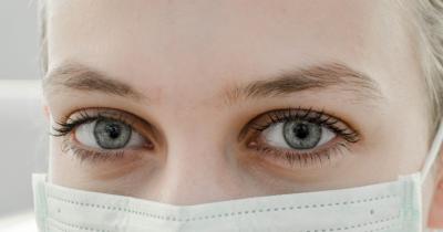 Ini Dia 5 Cara Menghilangkan Kantung Mata Ibu Menyusui