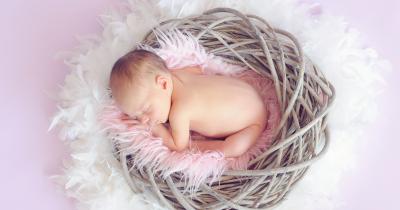 Tidur Cukup Ma, Ini 5 Cara Menaikkan Berat Badan Bayi 3 Bulan