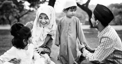Manfaat Menanamkan Akidah Anak Sejak Usia Dini, Ajarkan Yuk Ma