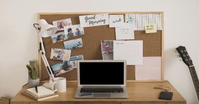 6 Cara Mudah Merapikan Meja Kerja agar Nyaman Semakin Produktif