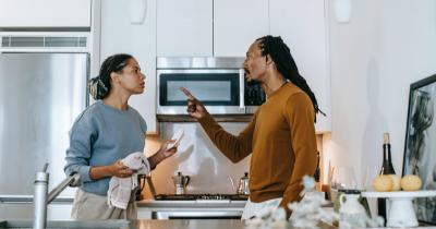 7 Alasan Suami Sering Menyalahkan Istri saat Bertengkar