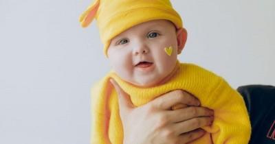 Penyebab Kebiasaan Mentil saat Bayi Menyusu, Bisakah Dihentikan