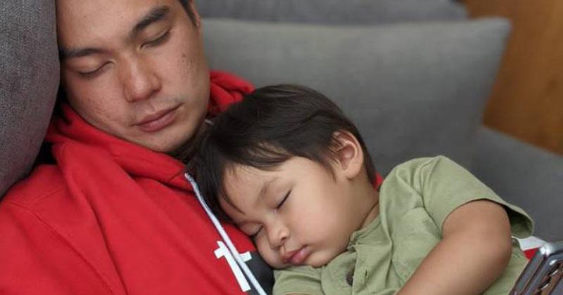 9. Tetap ganteng walau terlelap tidur