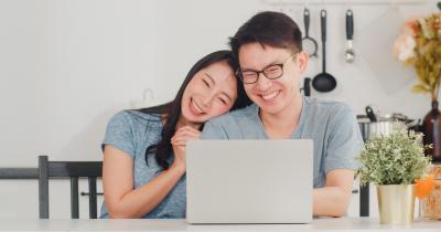 7 Cara Menjadi Sahabat Baik Pasangan Kita