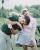3. Menghabiskan waktu bermain golf bersama