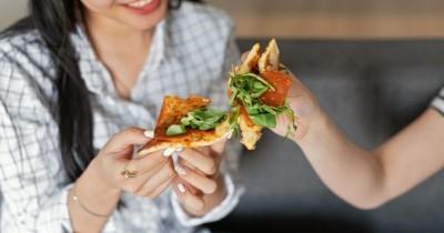 Banyak Makan Bisa Mencegah Komplikasi Kehamilan, Mitos atau Fakta