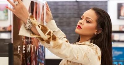 Berkat Fenty Beauty, Kini Rihanna Jadi Perempuan Paling Kaya Dunia