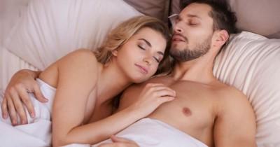 Tidur Telanjang Bisa Meningkatkan Kesuburan, Benarkah