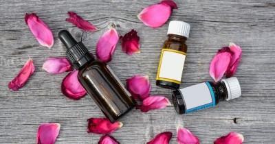 5 Essential Oil Efektif Meredakan Sakit Kepala