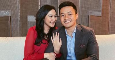 Momen Bahagia Putri Tanjung Dilamar Guinandra Jatikusumo