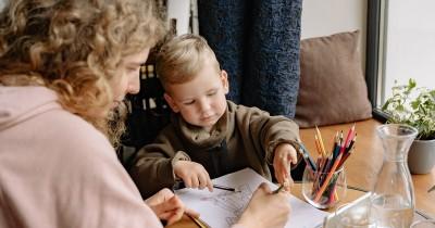 Dampak Jika Anak Kidal Dipaksa Berlatih Menggunakan Tangan Kanan