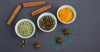 9 Contoh Bahan Pengawet Makanan Alami