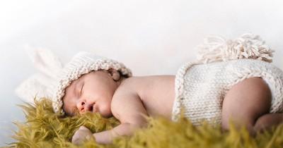 400 Rekomendasi Nama Bayi Laki-Laki Huruf C, Penuh Doa Baik