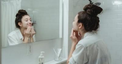 Tanpa Menyumbat Pori-Pori, Inilah 5 Cara Aman Menghidrasi Kulit Wajah