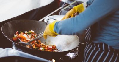 Apa Hukum dalam Islam Jika Suami Tidak Makan Masakan Istri