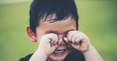 7 Tips Mengatasi Anak Balita yang Sensitif dan Rentan Nangis