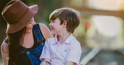 Cara Terbaik Berkomunikasi Anak Sesuai Usia, Jangan Salah Ma
