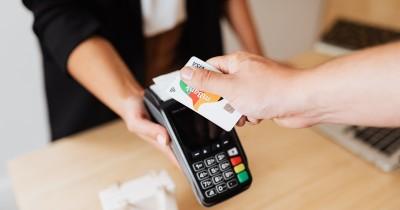 Keuntungan Kekurangan Menggunakan Kartu Kredit Harus Dipahami