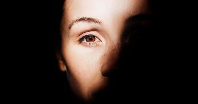 Penyebab Kelopak Mata Beda Sebelah, Hati-Hati Bisa Masalah Medis