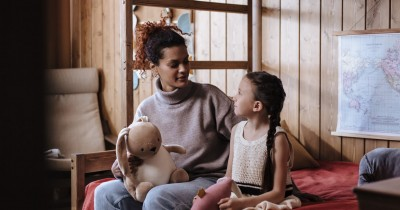 5 Kebiasaan Mengajarkan Remaja Kepedulian Antar Sesama