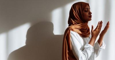 Perempuan Tidak Boleh Salat saat Haid, Ini Hikmah menurut Islam